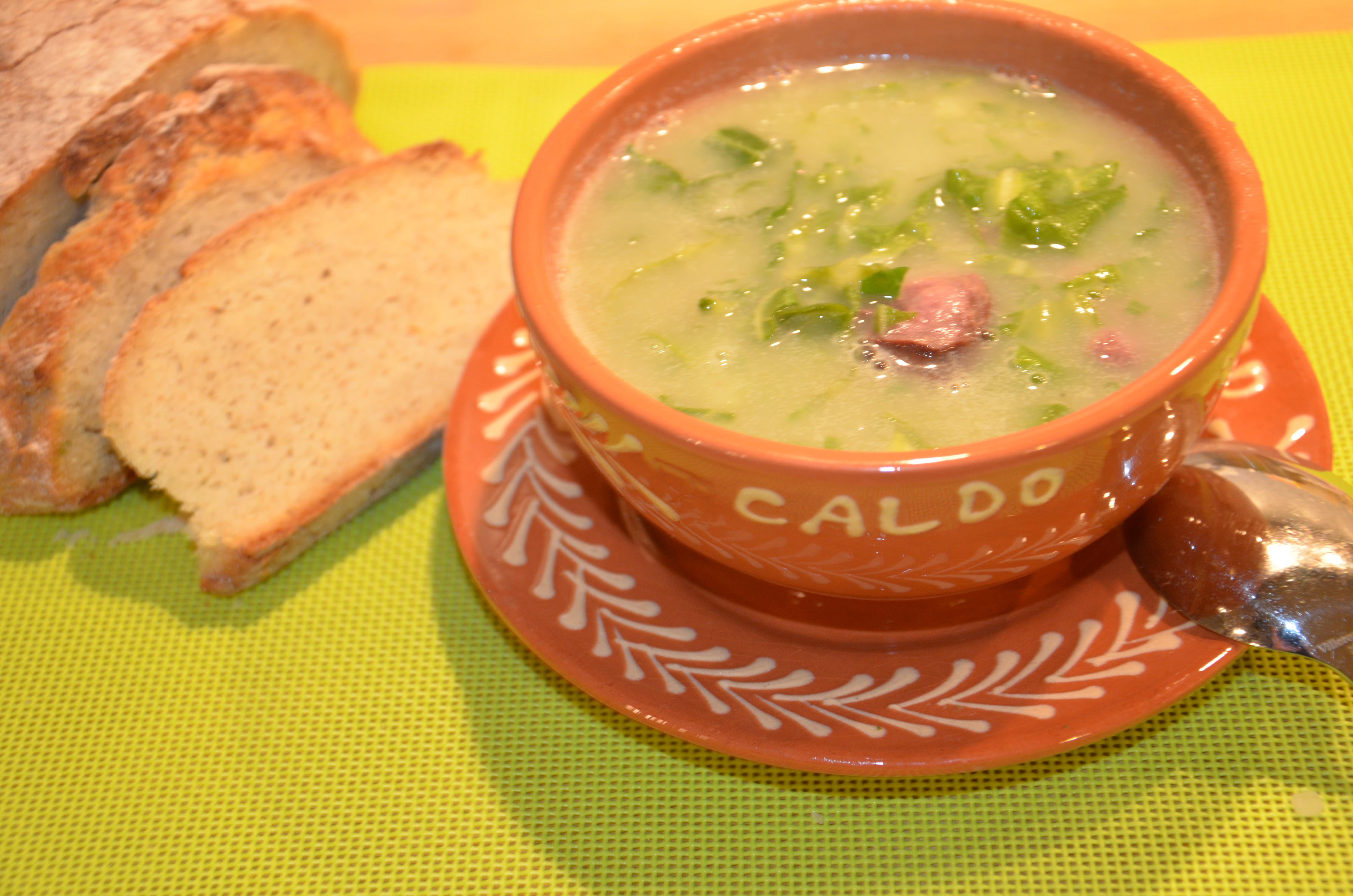 Caldo verde - Soupe au choux portugaise - SevenCuisine