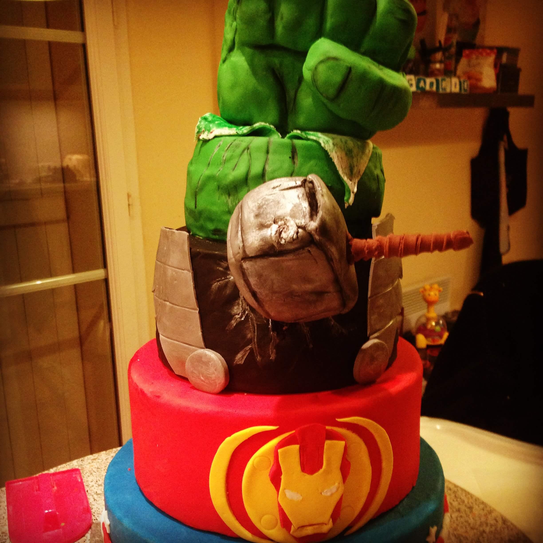 Gateau en forme de hulk